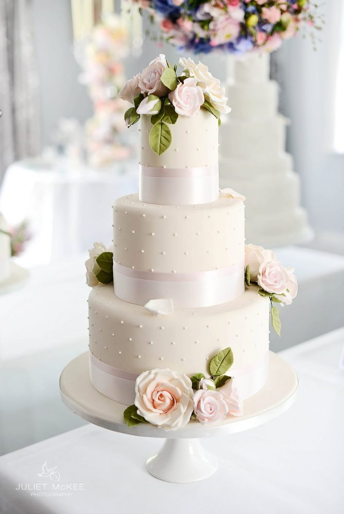 london wedding cake suppliers peggy porschen cakes and fairynuff flowers 16931